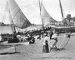 Picture of Sussex - Hastings Beach c1917 - N934